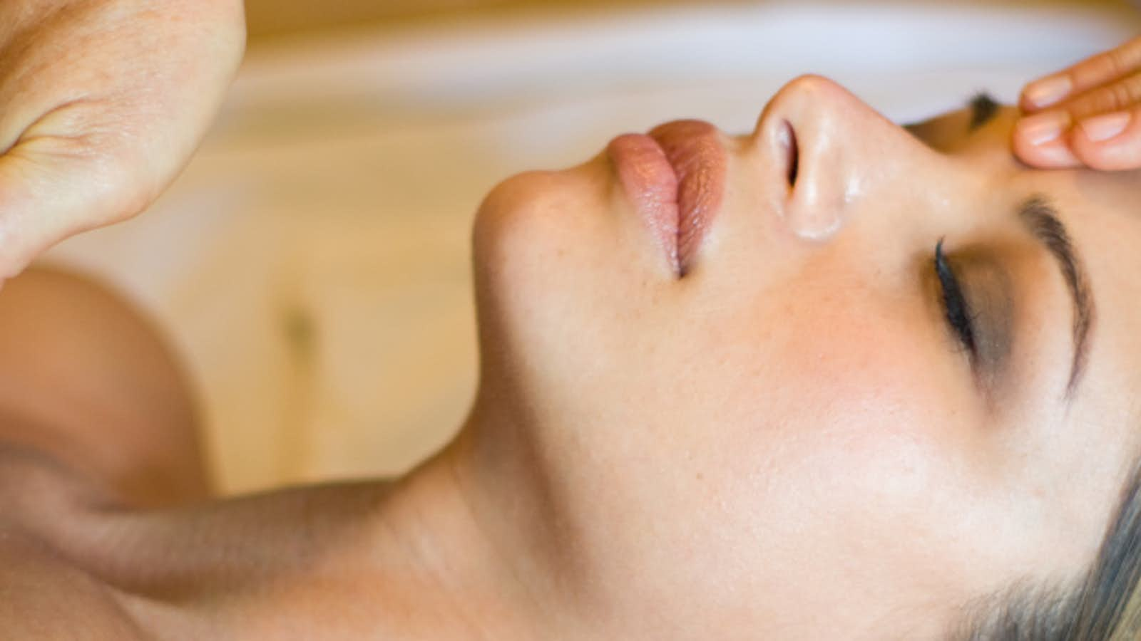 Beauty & Holistic Therapies by Jo