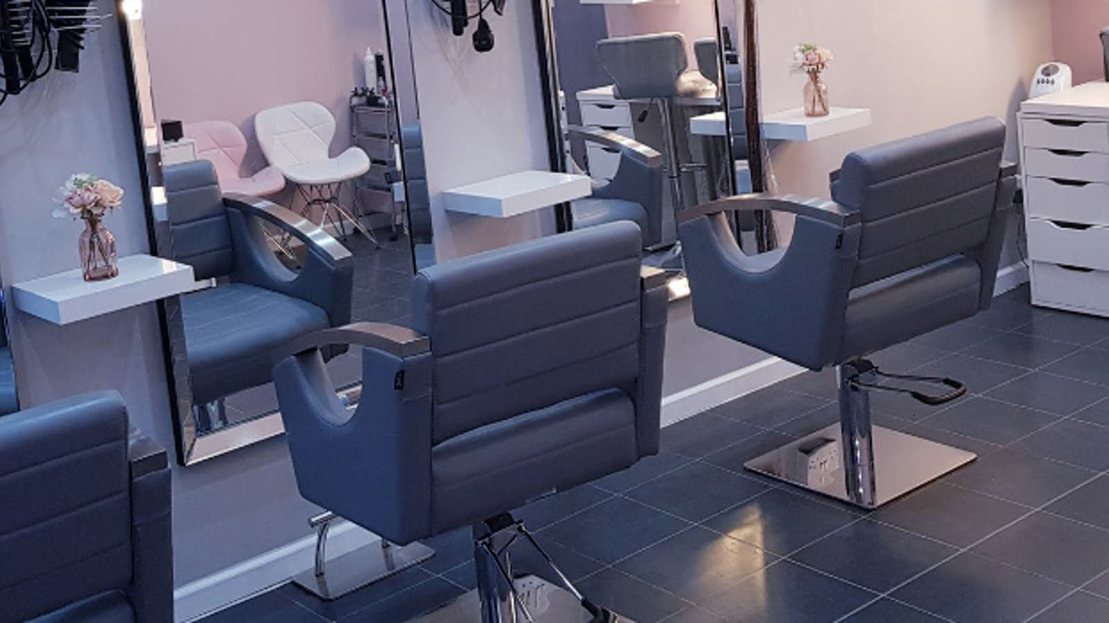 Partick U Lar Hair & Beauty Salon