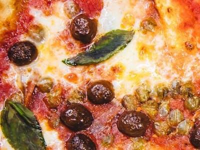 F Pizza